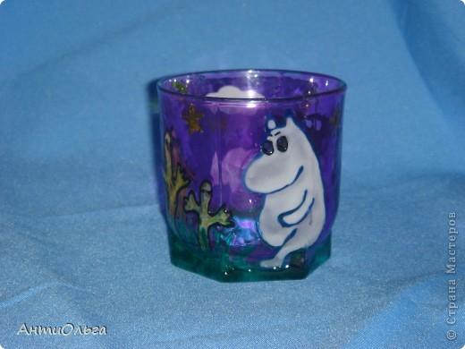 Делаем подсвечники. Витражные краски, стаканы-бокалы, украшения-камушки (на клей-пистолет). фото 5