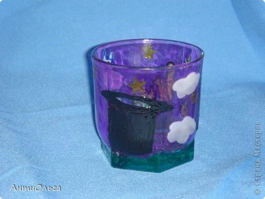 Делаем подсвечники. Витражные краски, стаканы-бокалы, украшения-камушки (на клей-пистолет). фото 6