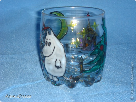 Делаем подсвечники. Витражные краски, стаканы-бокалы, украшения-камушки (на клей-пистолет). фото 11