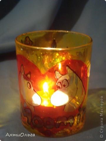 Делаем подсвечники. Витражные краски, стаканы-бокалы, украшения-камушки (на клей-пистолет). фото 20