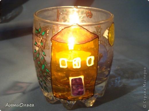 Делаем подсвечники. Витражные краски, стаканы-бокалы, украшения-камушки (на клей-пистолет). фото 23