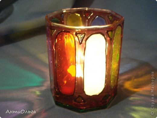 Делаем подсвечники. Витражные краски, стаканы-бокалы, украшения-камушки (на клей-пистолет). фото 24