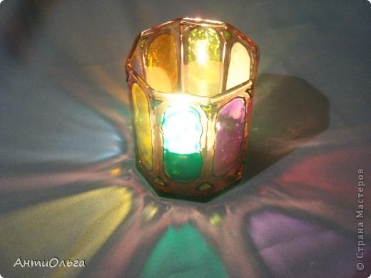 Делаем подсвечники. Витражные краски, стаканы-бокалы, украшения-камушки (на клей-пистолет). фото 25