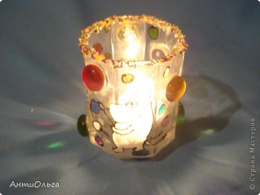 Делаем подсвечники. Витражные краски, стаканы-бокалы, украшения-камушки (на клей-пистолет). фото 29