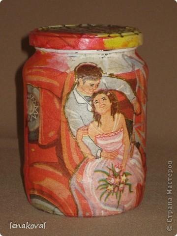 Подарки к этому 8 Марта у меня получились баночно-бутылочные. Последнее - женщинам постарше с внутренним наполнением, а молодым хозяйкам - баночки. Этот комплект для тети мужа. фото 11