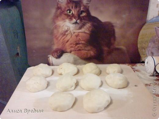 Добрый вечер))) сегодня я делюсь с Вами своим очередным рецептом))) на этот раз это Пита фаршированная тем, что есть в холодильнике))) Вообще Пита - это арабский хлеб, во время запекания за счет образования конденсата внутри хлеба образуется пустота, которую в последствие можно заполнить какой-либо начинкой))) фото 4