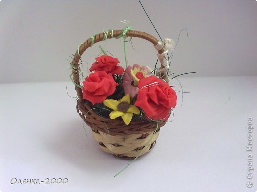 Эти цветы я лепила из пластики фото 3