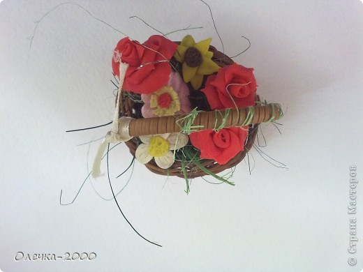 Эти цветы я лепила из пластики фото 5