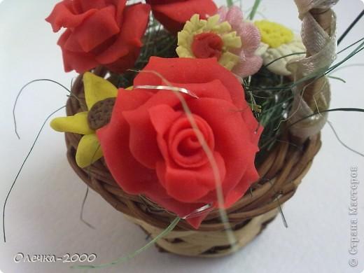 Эти цветы я лепила из пластики фото 4