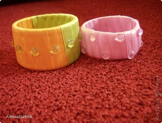 Вот такие браслеты можно сделать из самых простых материалов и очень быстро. Попробую показать МК. фото 9
