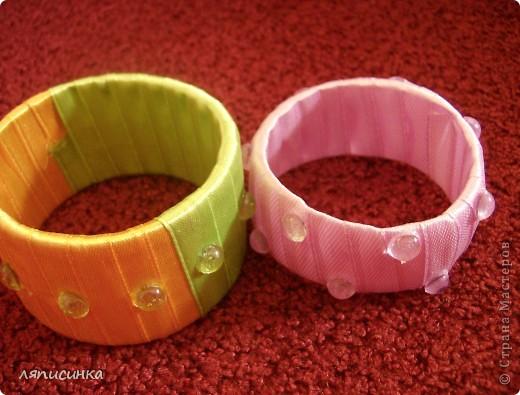 Вот такие браслеты можно сделать из самых простых материалов и очень быстро. Попробую показать МК. фото 1
