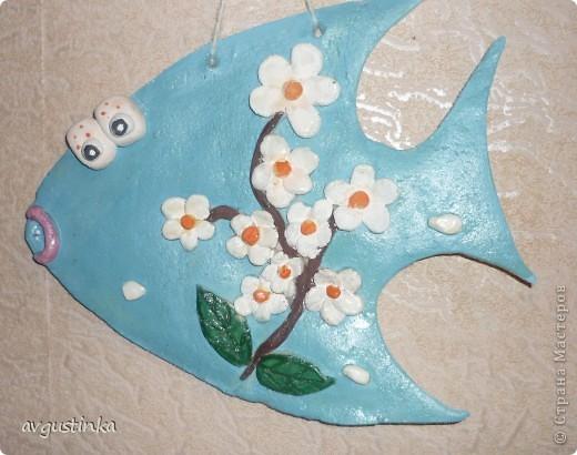 Рыбка-Весна приплыла из глубин Радость несет нам и позитив, Ярких цветочков букет, Словно весенний привет фото 1