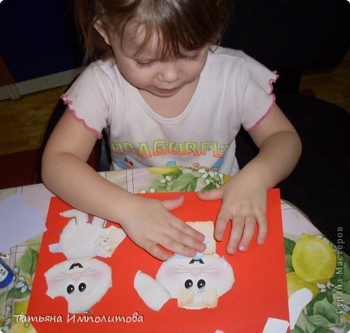 Яйца для веночка можно вырезать из любых каля маля вашего ребёнка,но мне очень хотелось использовать эти яркие салфетки фото 10