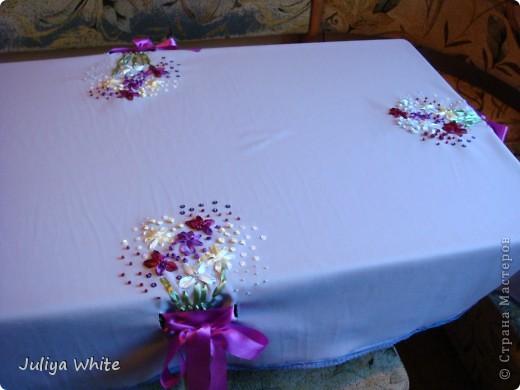 Декоративная Скатерть, вышитая лентами и украшеная бисером) фото 3