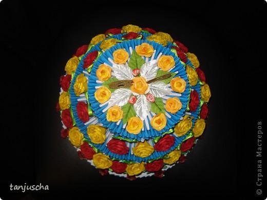 Очередной торт из модулей. Торт состоит из трёх ярусов.  1 ярус в основе 42 модуля 2 ярус в основе 72 модуля 3 ярус в основе 102 модуля. фото 4