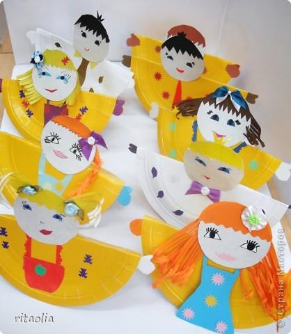 """Вот таких неваляшек мы сделали из одноразовых тарелок. Идею почерпнули в журнале """"Коллекция идей"""" """"Магазин кукол"""" №1 фото 3"""