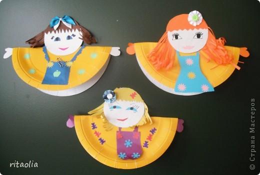 """Вот таких неваляшек мы сделали из одноразовых тарелок. Идею почерпнули в журнале """"Коллекция идей"""" """"Магазин кукол"""" №1 фото 2"""
