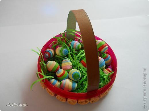 Целый день потратила на такую вот корзиночку с пасхальными яйцами! К сожалению не сфотографировала ход работы, но буду объяснять по ходу дела! фото 4