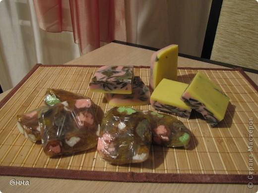 """""""Волшебные камушки"""". Состав: мыльная основа, розовая глина, масло виноградных косточек, масло жожоба, глицерин, витамин Е, аромат жасмина. фото 3"""