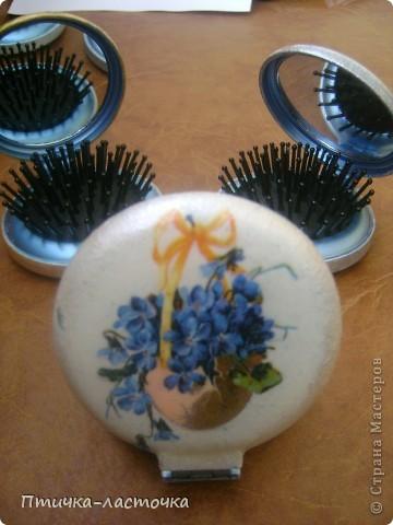"""Увидела я как-то раз в магазине складные расчёски с зеркалом... И, естественно, возникла мысль: """"Декупаж!!!"""" Ну и вот что из этого получилось... фото 4"""