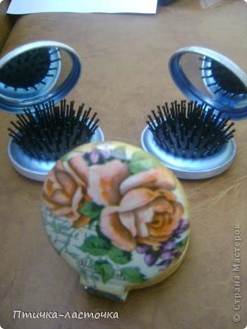 """Увидела я как-то раз в магазине складные расчёски с зеркалом... И, естественно, возникла мысль: """"Декупаж!!!"""" Ну и вот что из этого получилось... фото 3"""