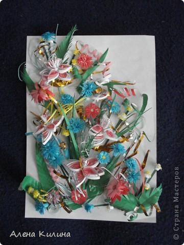 Цветочное панно родилось в выходные сначала распустились четыре лилии, затем васильки и астры...маленькие желто-белые пушистики зелень и солнечные завитки. фото 2