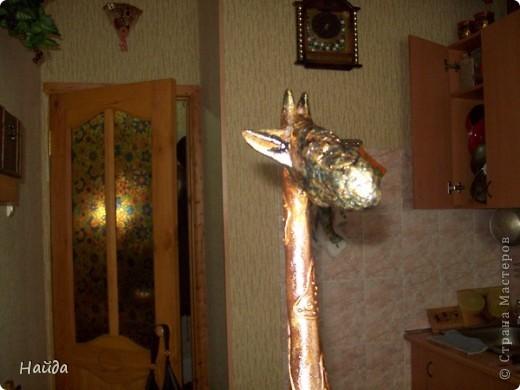 привезла подруге поделку из отпуска-напольного жирафа, а ее такса отъела нос бедной статуйке,подруга в слезах,что делать? фото 4