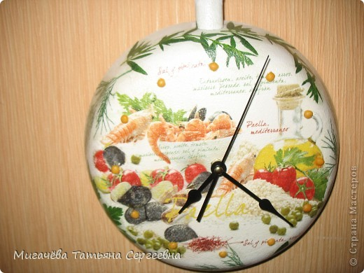 Наконец доделала часики-сковородку.Завтра подарю. фото 4