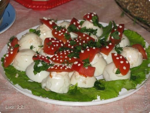 Тигрёнок. Так можно украсить любой салат. А вот МК по приготовлению этого салатика http://www.say7.info/cook/recipe/736-Salat-Tigrenok.html. Только лично мне он не очень понравился сочетанием продуктов. фото 14