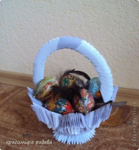 Хареса ми кошничката  по МК на Галина Тихова и реших да опитам да си направя и аз. Ето я моята. фото 1