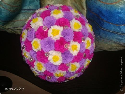 Вот скрутила еще один цветочный шар фото 2