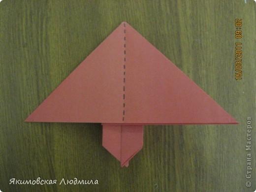 Вот такую ракету в технике оригами можно сделать как элемент композиции на космическую тему. фото 12