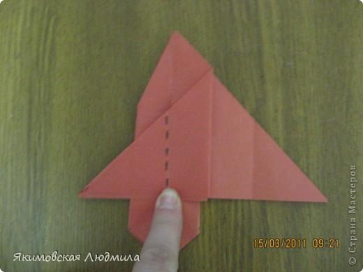 Вот такую ракету в технике оригами можно сделать как элемент композиции на космическую тему. фото 16