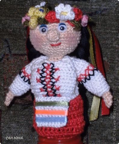 Вот такие пальчиковые куколки в национальных костюмах связала на конкурс в интернете. Познакомьтесь - это жгучая испанка донна Анна и очаровательная украиночка Оксана фото 12