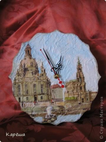 Здравствуйте! На этот раз не удержалась, показываю сразу. Очень мне нравится тарелочка с собором у Оксаны (мама Лапушки), она-то меня и вдохновила. http://stranamasterov.ru/node/157542 Заготовка из фанеры, акриловая рельефная паста, матовый лак и 3D гель, салфетка Дрезден. фото 1