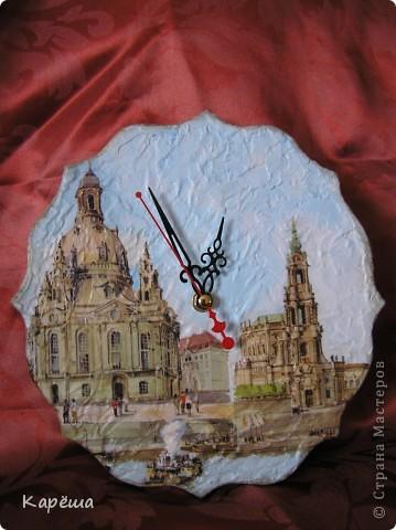 Здравствуйте! На этот раз не удержалась, показываю сразу. Очень мне нравится тарелочка с собором у Оксаны (мама Лапушки), она-то меня и вдохновила. http://stranamasterov.ru/node/157542 Заготовка из фанеры, акриловая рельефная паста, матовый лак и 3D гель, салфетка Дрезден. фото 2