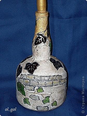 Был очень душевный рисуночек от кухонных обоев и подходящая бутылочка.Кирпичики делала:манка,ПВА,акрил.краска.  фото 2