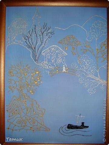 Все три работы выполнены в формате А-3 .  Эта картина выполнена на атласе.Виден блеск ткани ,чем она и хороша. фото 2