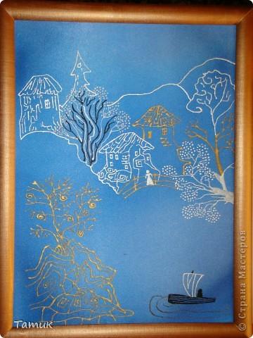 Все три работы выполнены в формате А-3 .  Эта картина выполнена на атласе.Виден блеск ткани ,чем она и хороша. фото 1