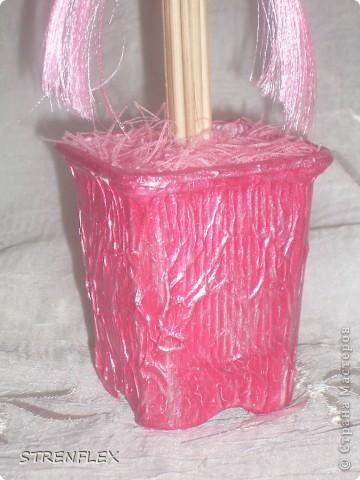 Вот такое нежно-розовое деревце выросло у меня для дочи моей старшей кумушки. Юной леди 8 лет, но кто ж в таком возрасте откажиться от розового дерева. Поэтому скоро оно вместе с апельсиновым уедет в Киев!!! фото 7