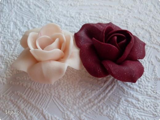"""На это панно меня сподвигла работа Mary Bond. Однажды на сайте я увидела её гардению и очень захотела попробовать вылепить такой цветок. Но поскольку в лепке я ещё """"тот мастер"""", то работу создавала довольно долго. Но результатом довольна безмерно. фото 3"""