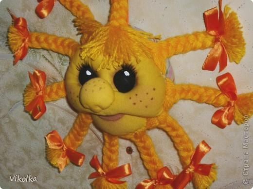Моя первая поделка в технике изготовления кукол - Солнышко , по мастер-классу Елены Лаврентьевой (http://www.liveinternet.ru/users/pawy/rubric/1869594/). Огромное ей спасибо! фото 4