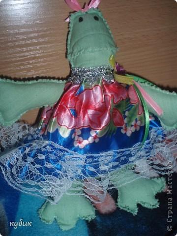 """вот такую Клаву я пошила Игнатушке, он очень полюбил лягушку с мультика """"Лунтик""""и посмотрела и очень понравилась лягушка тильда у  Алёнишы, взяла  у нее выкройку и пошила:))))Аленочка, огромное, огромное спасибо!!!!!!!!!!!!!!!!!!!!!!Игнашка очень любит свою Клаву:))))))))))  фото 5"""