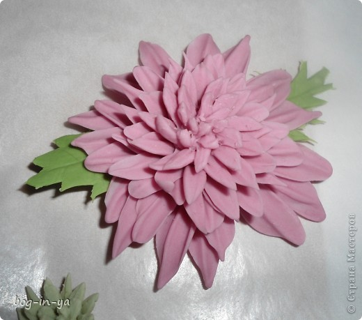 Вот такая получилась у меня розовая хризантема. И что совершенно  неожиданно для меня - цвет очень натуральный. фото 1