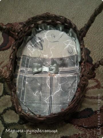 Все это время я даром время не теряла, пробовала разные техники и способы плетения. Сплела подставку под расчески. Увидела идею на нашем сайте. Очень удобная штука. фото 8