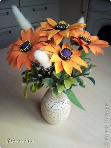 Букет из 5 Рудбекий, искусственной зелени и сухоцвета. фото 1