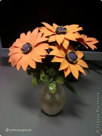 Букет из 5 Рудбекий, искусственной зелени и сухоцвета. фото 4