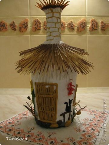 Украинская хата (на дымаре гнездо для аистов) фото 1