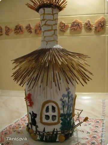 Украинская хата (на дымаре гнездо для аистов) фото 2