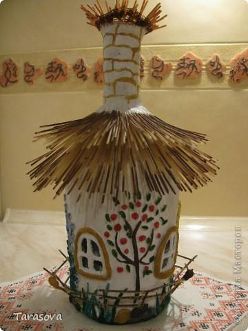Украинская хата (на дымаре гнездо для аистов) фото 3